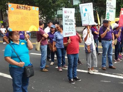 El Salvador en plan de lucha contra la privatización del agua